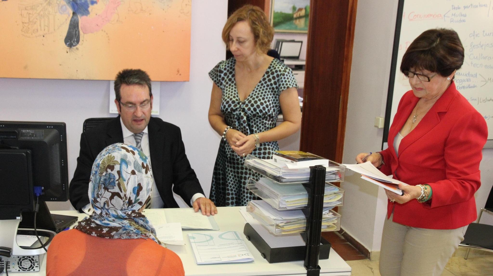 La alcaldesa en funciones de paterna media con el juzgado for Juzgado de catarroja