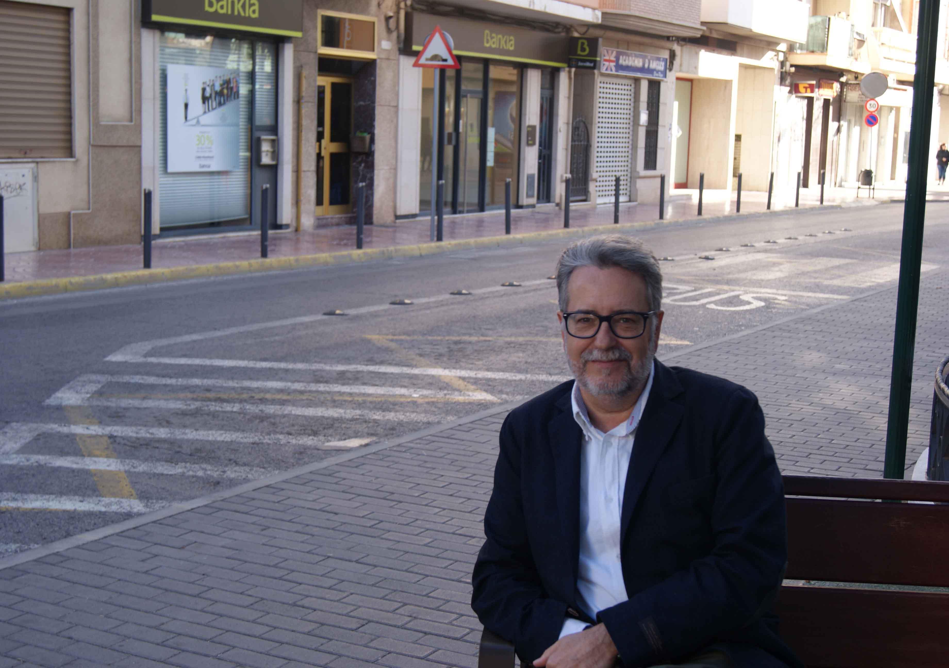 El ayuntamiento de albal libre de deuda for Piscina municipal manises