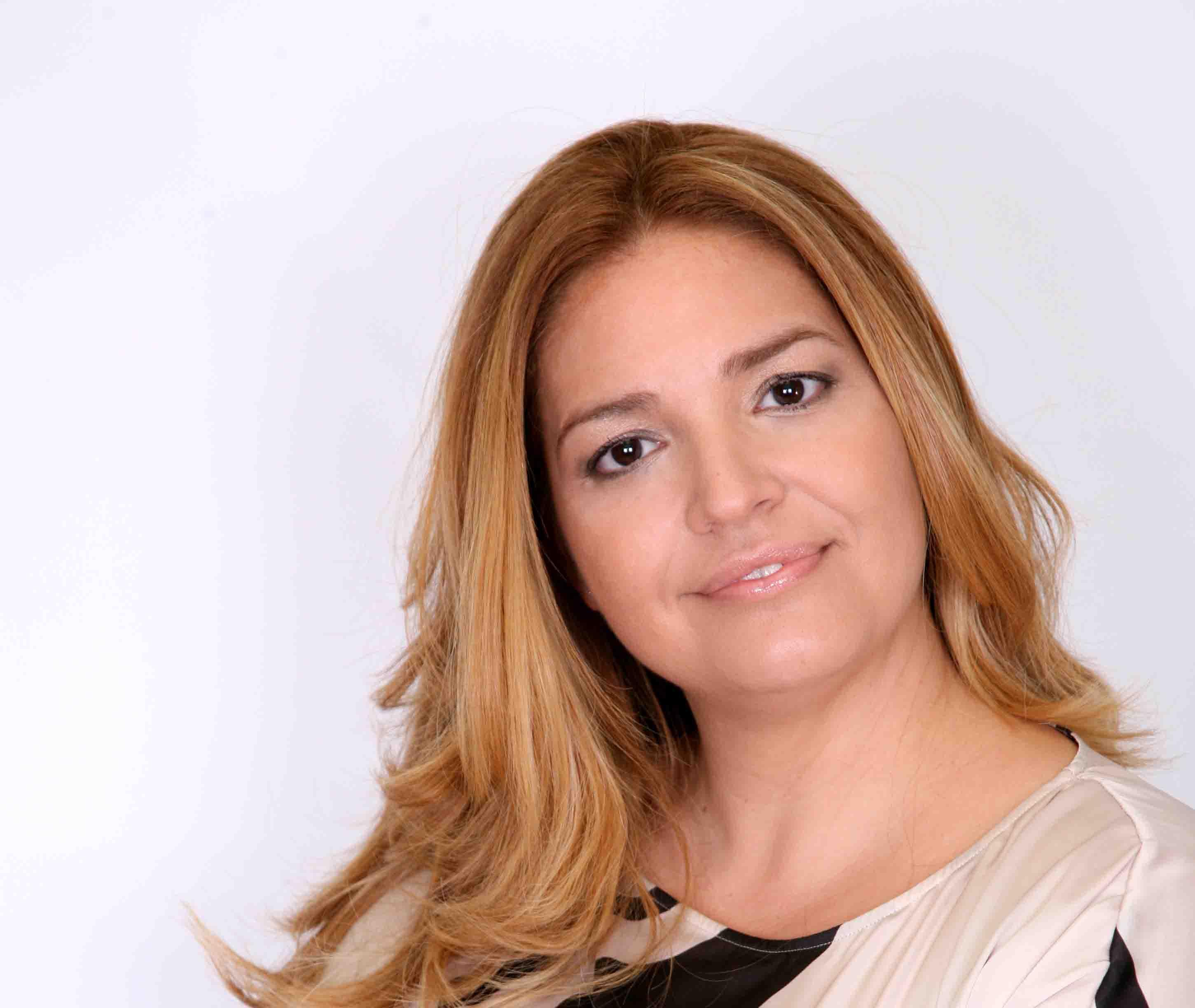 Maurizia Paradiso e Sonia Eyes inculate da Fausto