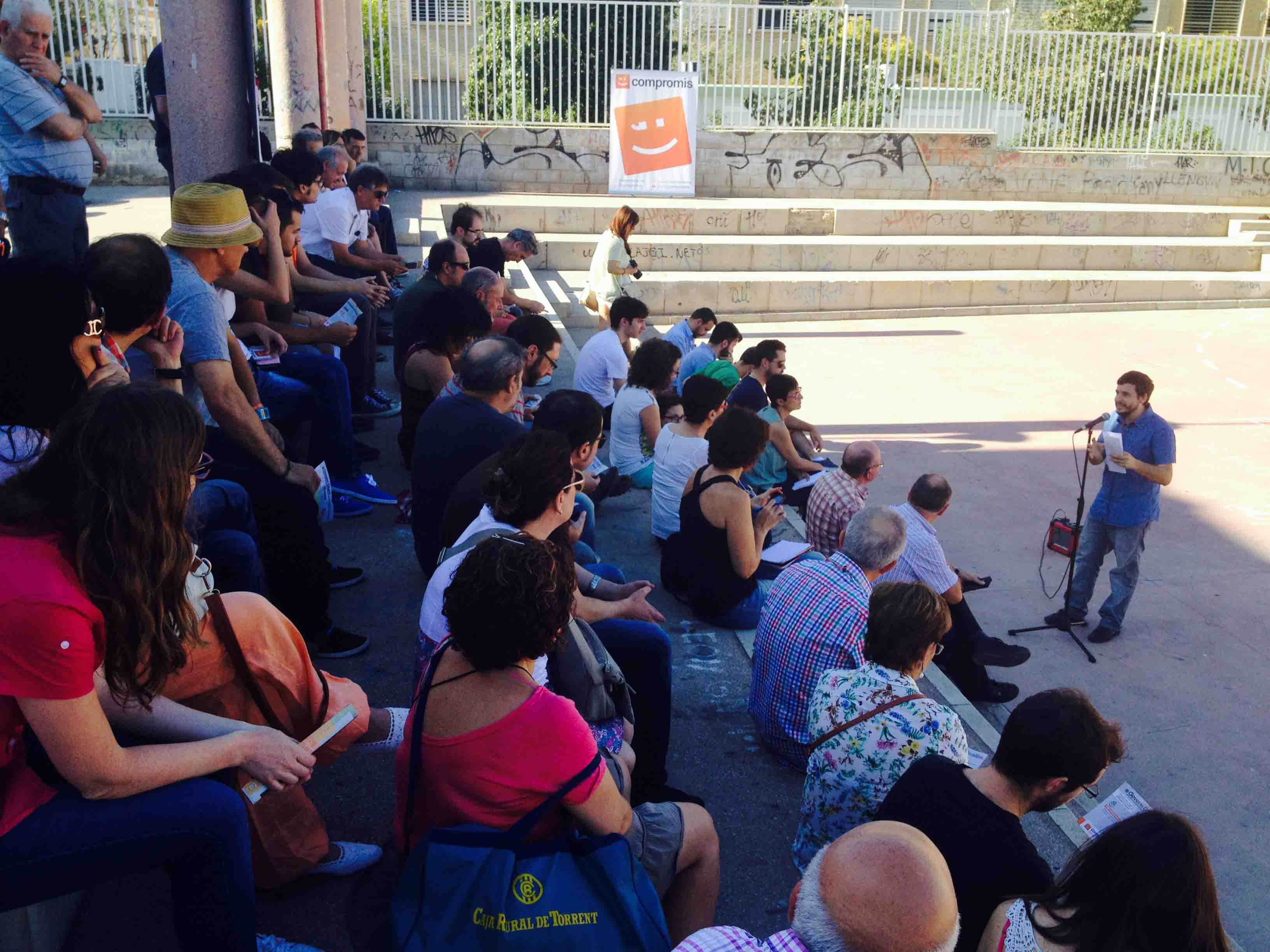 Torrent aprova la remunicipalitzaci de la cotxera a for Piscina municipal manises