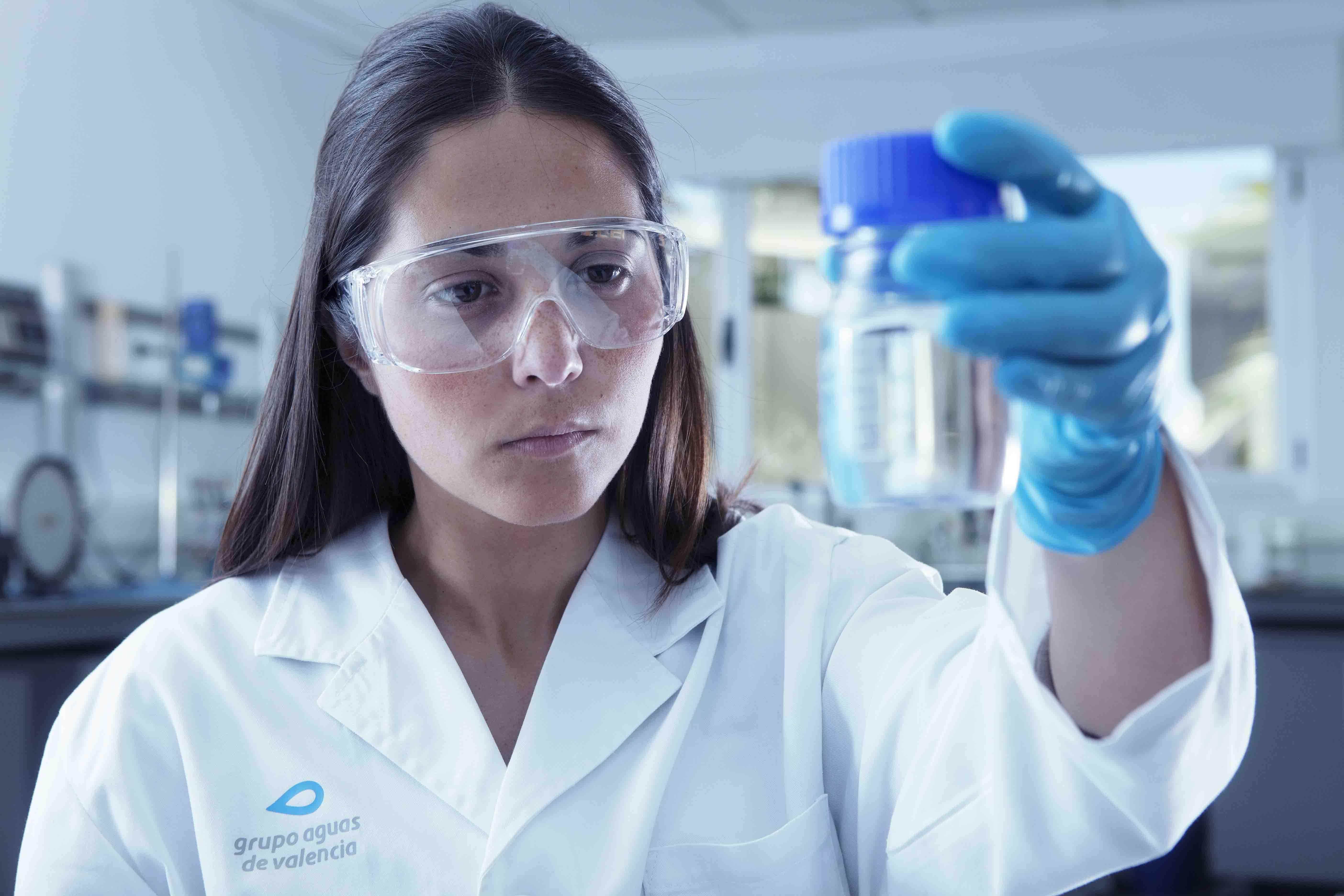 El Grupo Aguas de Valencia hará más de 15.000 controles analíticos en L'Horta para garantizar la calidad