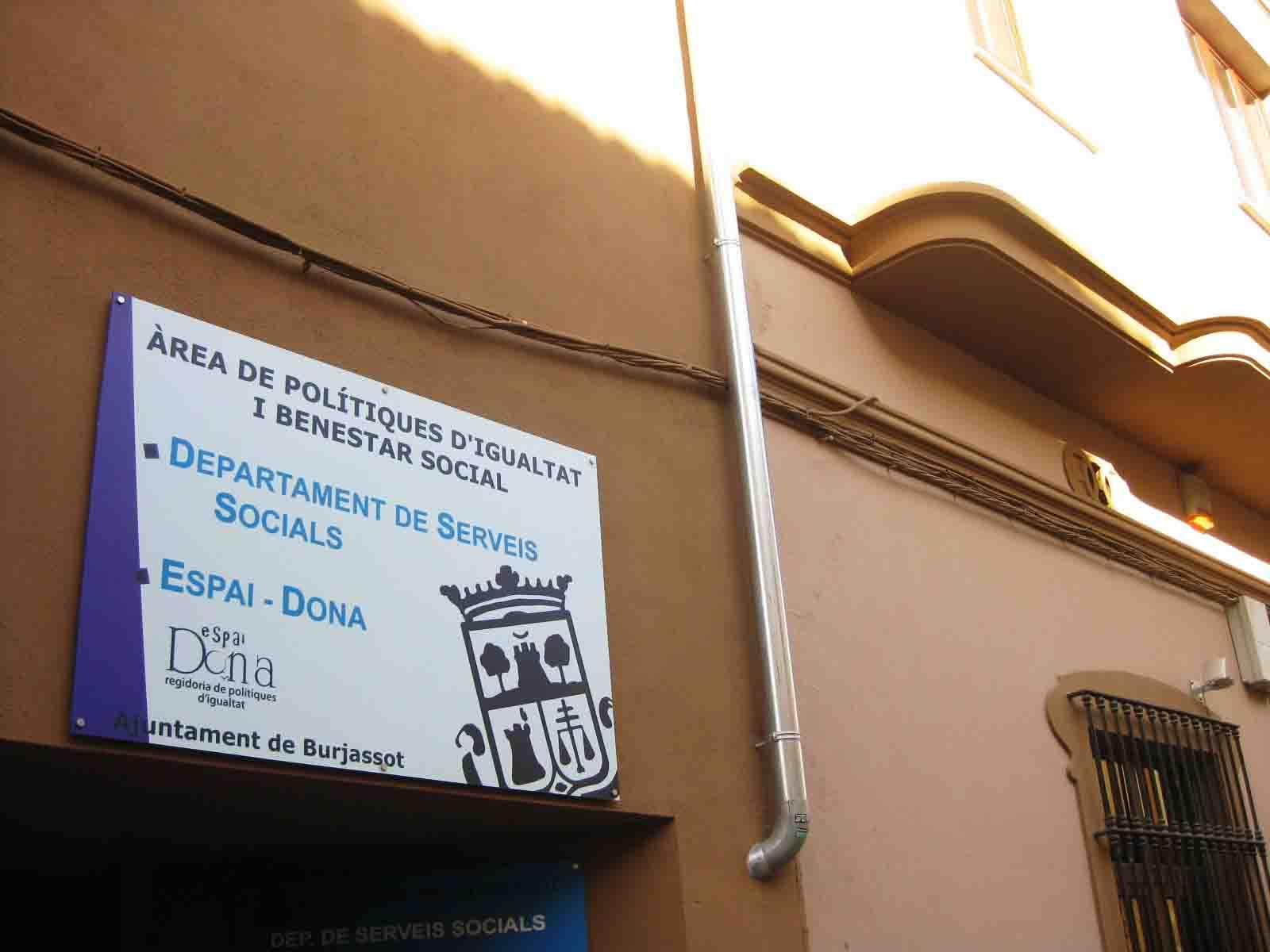 Burjassot pone en marcha la oficina municipal de vivienda for Alquiler oficina torrent