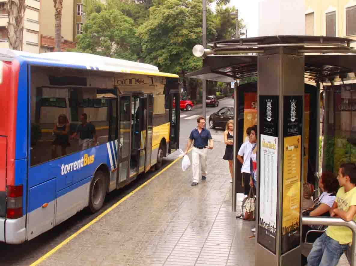 Pinche culotote un mega pedorrote en el autobus - 1 6