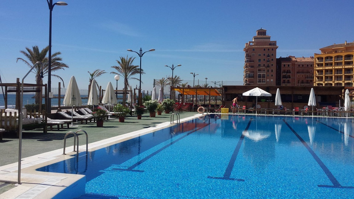Las piscinas de l 39 horta ya est n abiertas for Piscina sedavi