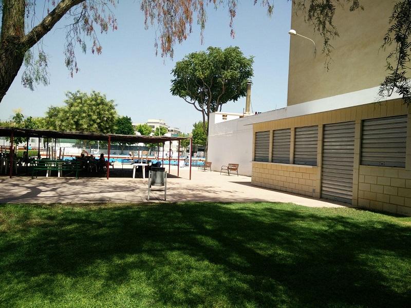 El pp de burjassot denuncia que las piscinas municipales for Piscina municipal manises