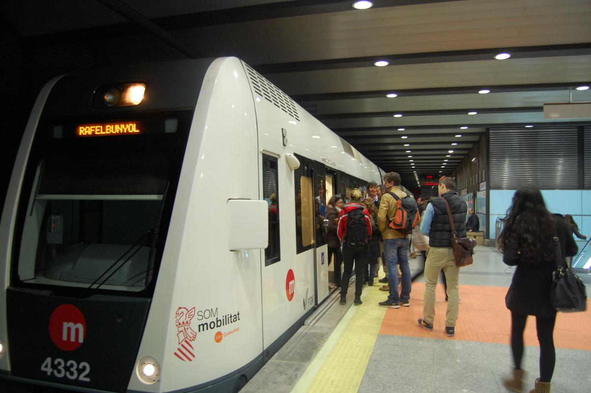 Un autobús lanzadera conectará Albal, Catarroja, Massanassa, Alfafar y Benetússer con el metro cada 30 minutos